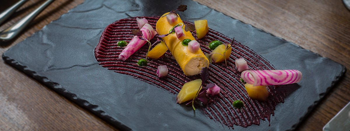 white-hart-royal-hotel-cotswolds-moreton-restaurant-food-book-table-aa-rosette