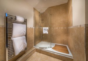WHR Hayloft Room ensuite