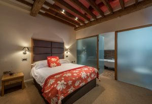 WHR Stables Bedroom and en suite
